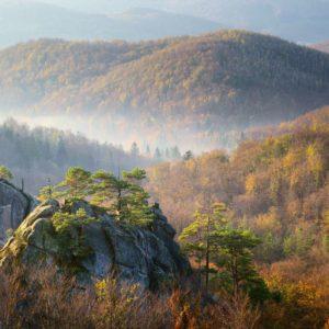 Fototapet 01-0192 - Peisaj Montan Ceata Nori Brazi
