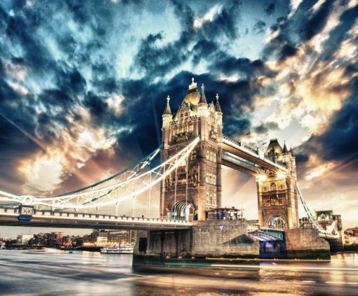 Pod Tower Bridge Londra Cer Înnorat - Fototapet 3D